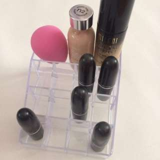FREE Clear Makeup Organizer