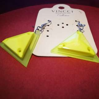 #bajet20 Vincci Earrings - 3D Triangle Neon Green