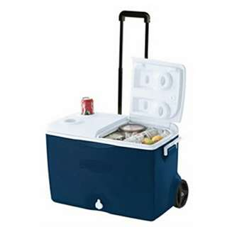 RUBBERMAID 60 Qt Wheeled Cooler Box