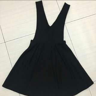 🚚 黑色V領洋裝  S