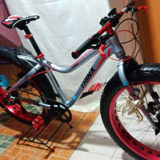 Trinx Fatbike hydraulic brakes with shimano components
