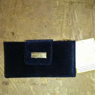 Adrienne Vittadini studio (RFID protection wallet)