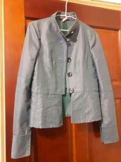 🚚 湖綠色外套