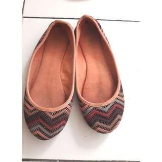 Sophie Martin Flatshoes wanita size 36