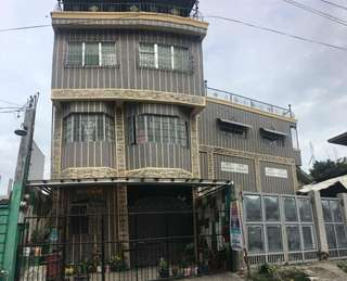 Selling 4 story building