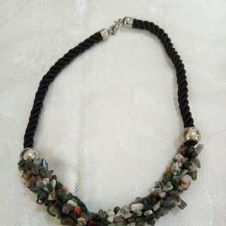 Kalung batu alam kalimantan