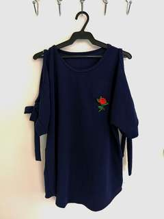 Dark blue cold shoulder (bakuna) top with rose patch