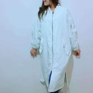 🚚 韓國白色長版防風外套