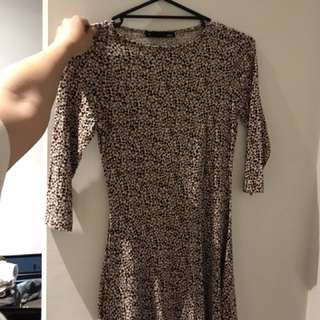 voir leopard dress