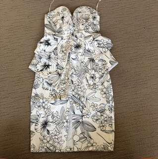 ShowPo Dress - size 6 - BNWT
