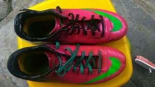 Sepatu bola Nike Mercurial Vapor IX