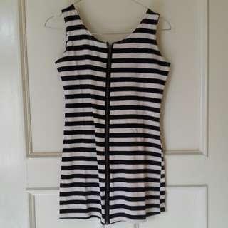 Dress belang hitam putih