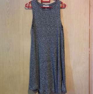 p&b grey sleeveless dress