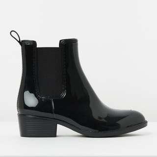 Stunning brand new black rain boots