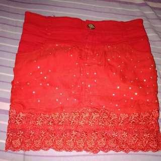 Rok merah bahan jeans