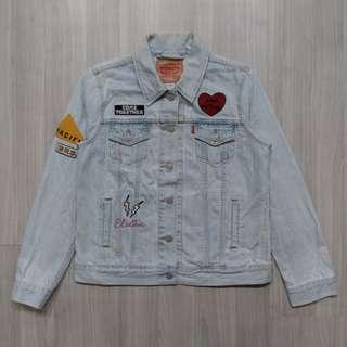 Levis Levi's 15750-0023 M號女版淺色刷白貼布牛仔外套