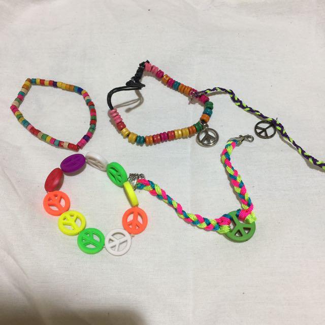 1 Set Bracelets