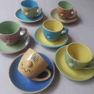 Smiley cups set