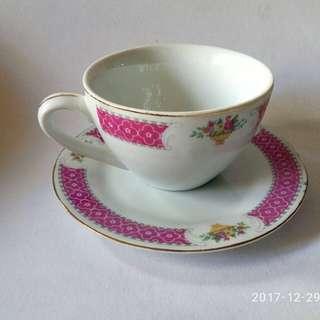 那些年,80年代 茶餐廳用,貼花執耳杯2套。