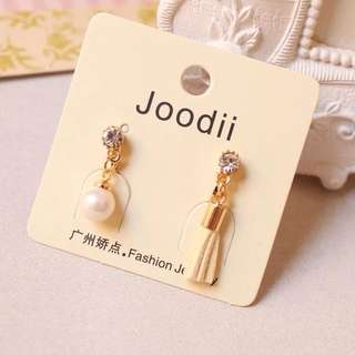 🚚 可愛氣質珍珠流蘇不對稱耳夾 無耳洞耳環
