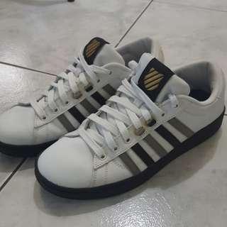 🚚 KSWISS鞋