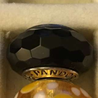 PANDORA Black Faceted 黑色琉璃珠