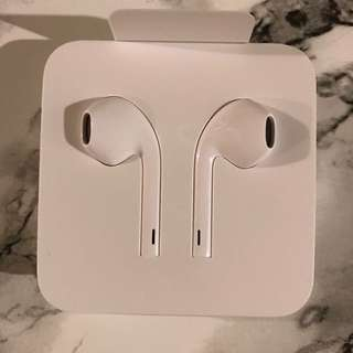 Original Iphone earphones with lightning adaptor New