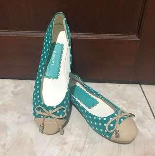 Green Vincci Shoe