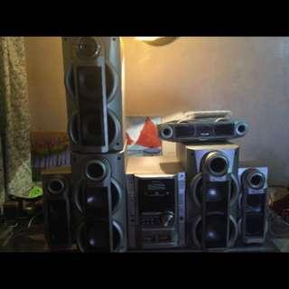 Panasonic 8 piece component 5dvd changer surround sound