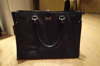 Ferragamo bag 100%real! Perfect for work!