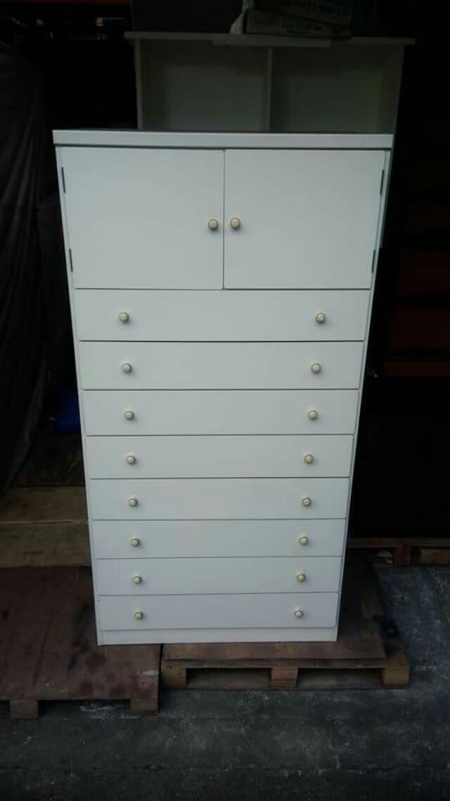 2 Door & 8 Drawer Cabinet 🎄🎅☃️🦌🎆