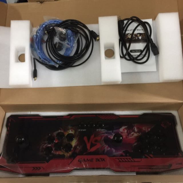 月光寶盒遊戲機最新5代。九成新,鐵盒機