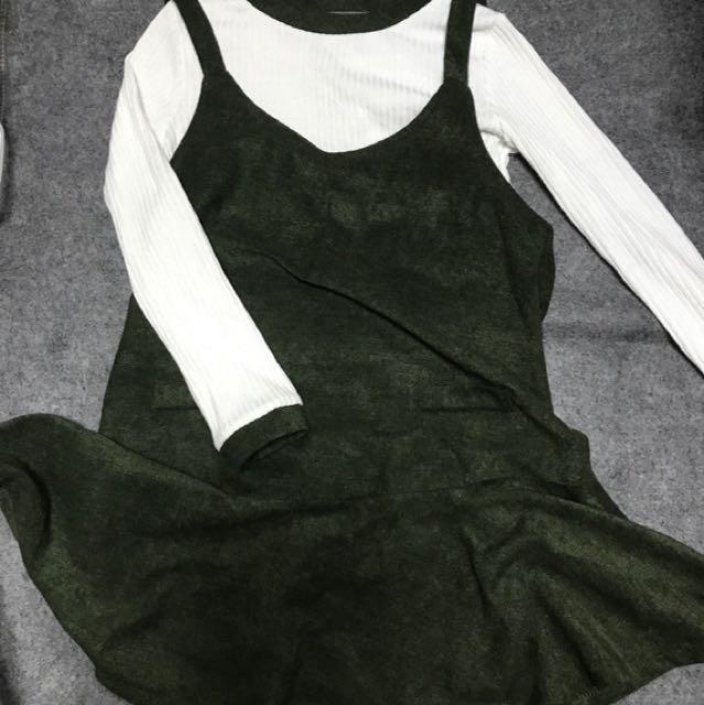 兩件式軍綠色甜美吊帶裙+滾邊針織衫