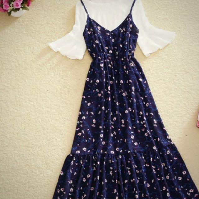韓版碎花細肩帶洋裝   秋天加一件針織上衣就很好看。  穿三次。原価890。