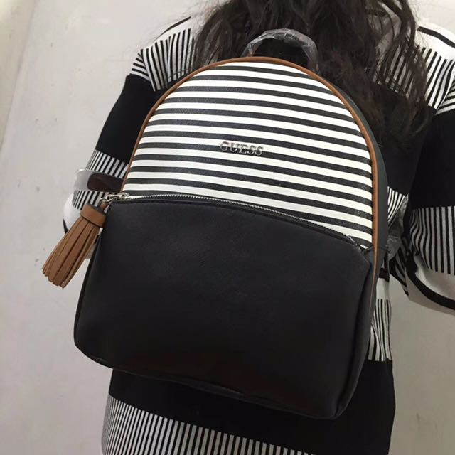 731c6b87c4e9 AUTHENTIC GUESS BAGPACK WINTER COLLECTION 2017