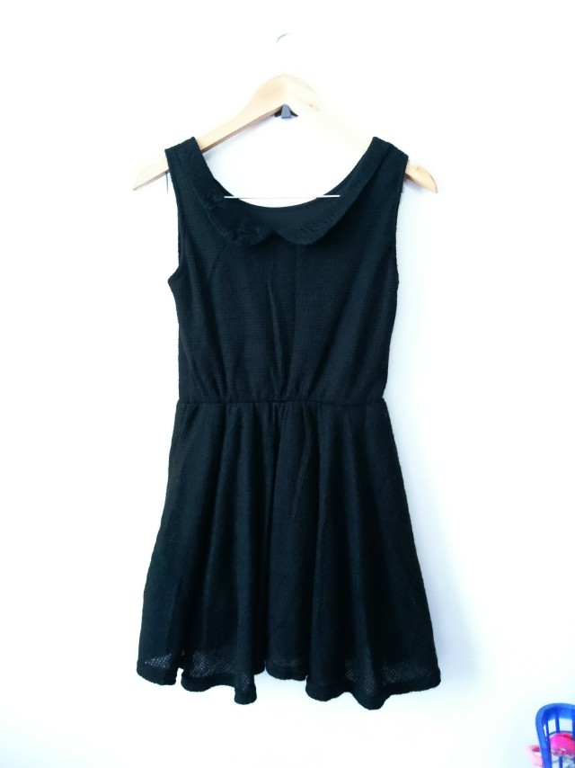 Black dress knitted type