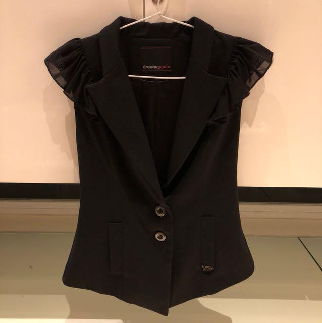 Black romp blazer by dressing paula