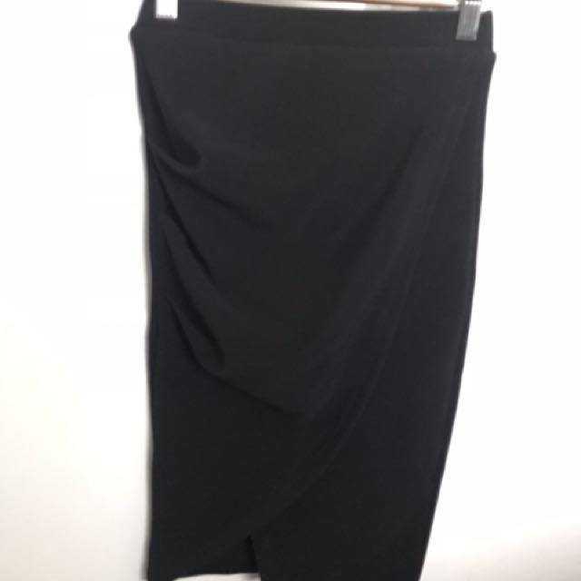 Black side split skirt