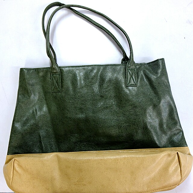 Brandnew and Original Memo Shoulder Bag
