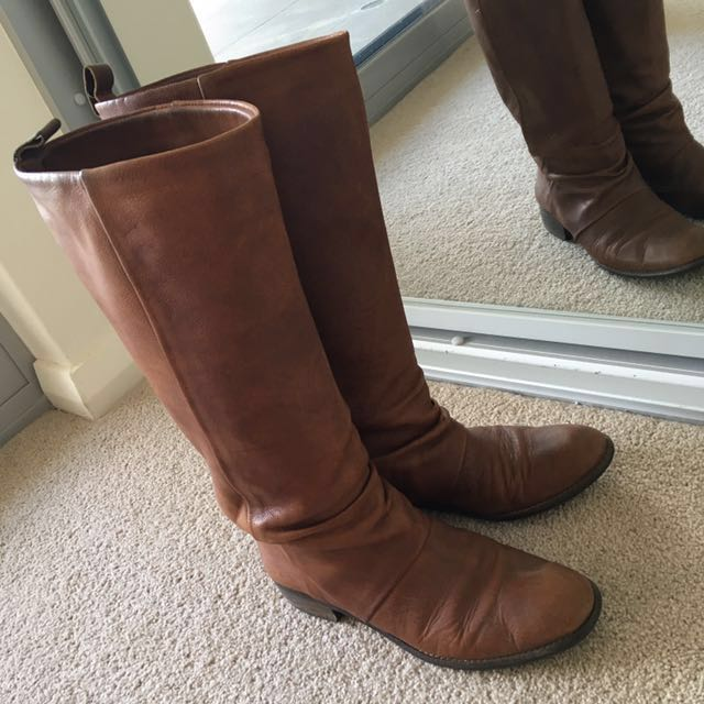 Brown boots 39