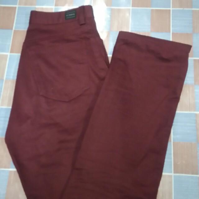 Celana chino maroon