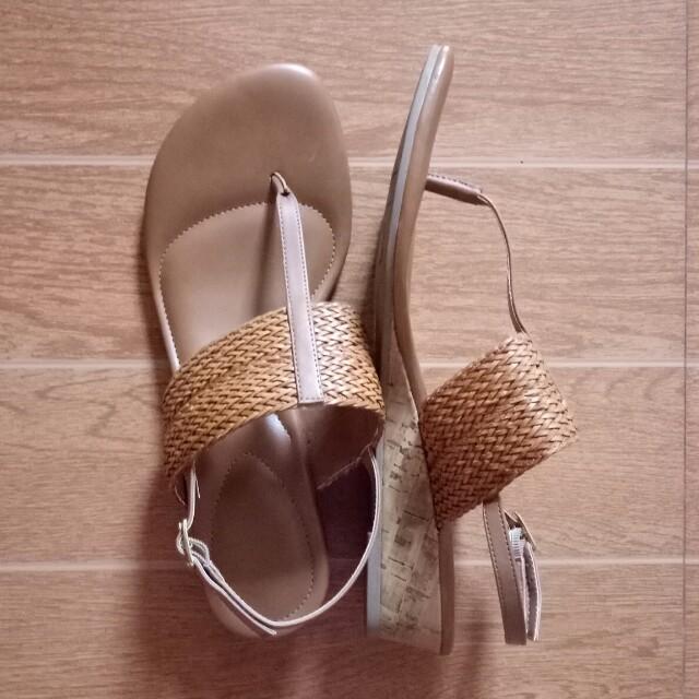 141b4ca262c7 Dexflex comfort sandals womens fashion shoes on carousell jpg 640x640 Dexflex  sandals