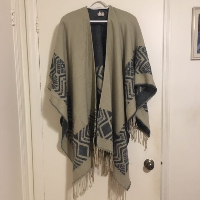 FREE PEOPLE Poncho Scarf
