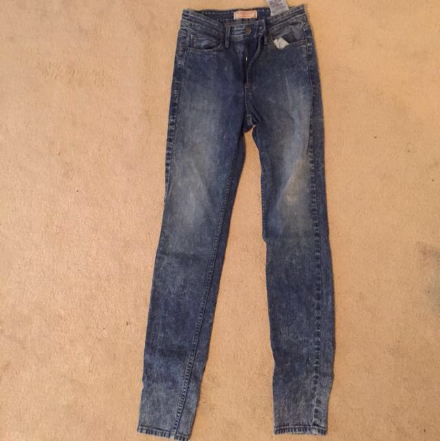 Guess jeans - high waisted acid wash jeans