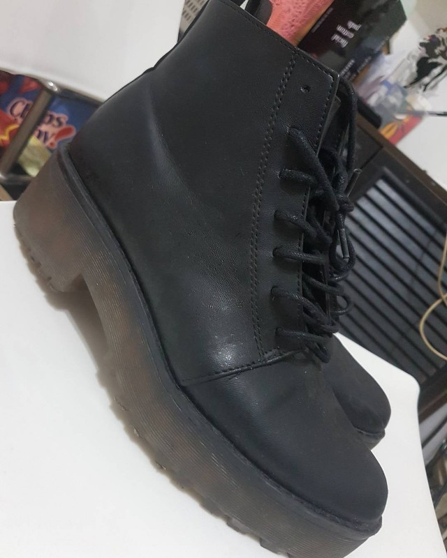 H &M boots