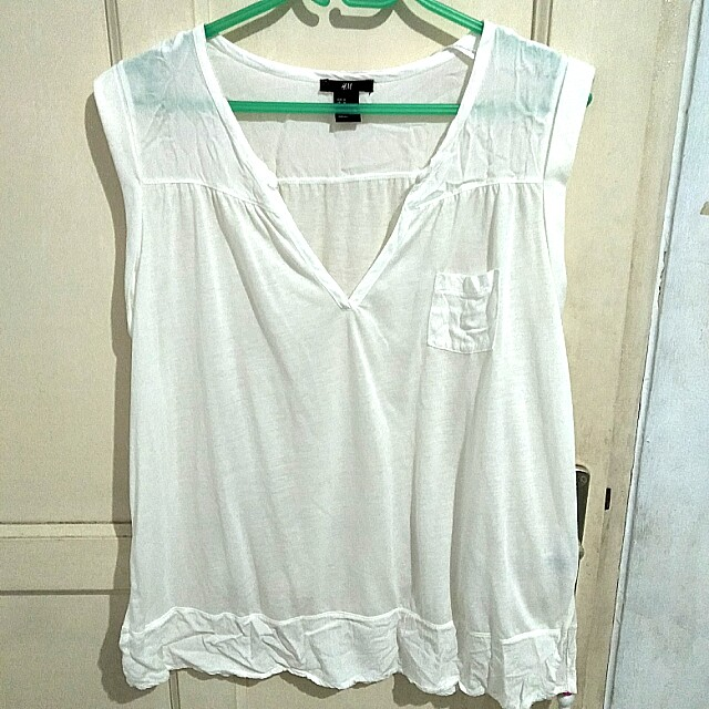 H&M sleeveless white top