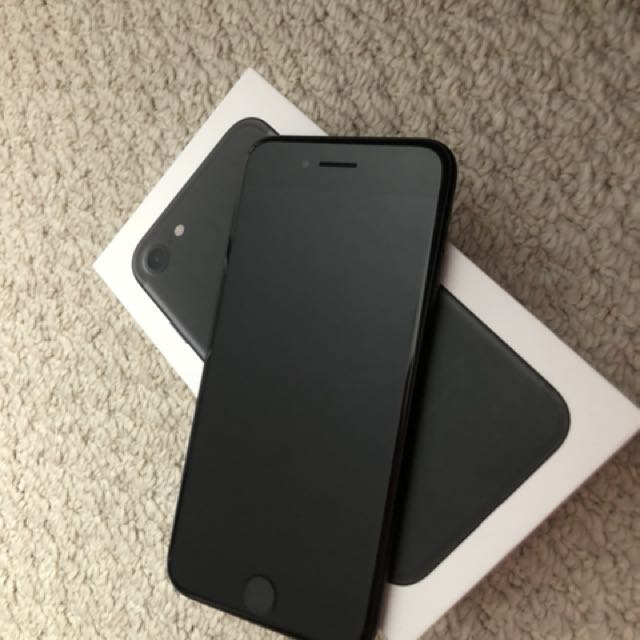 Iphone 7 128GB 10/10 still under warranty