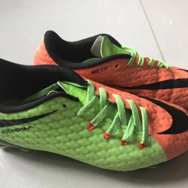 52dc8b8a5 Kids Used Nike Hypervenom Boots US2Y UK1.5