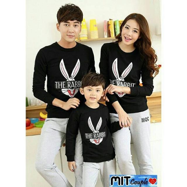 Family Couple Baju Pasangan Keluarga Kaos Keluarga 2 anak doraemon Source · photo photo photo