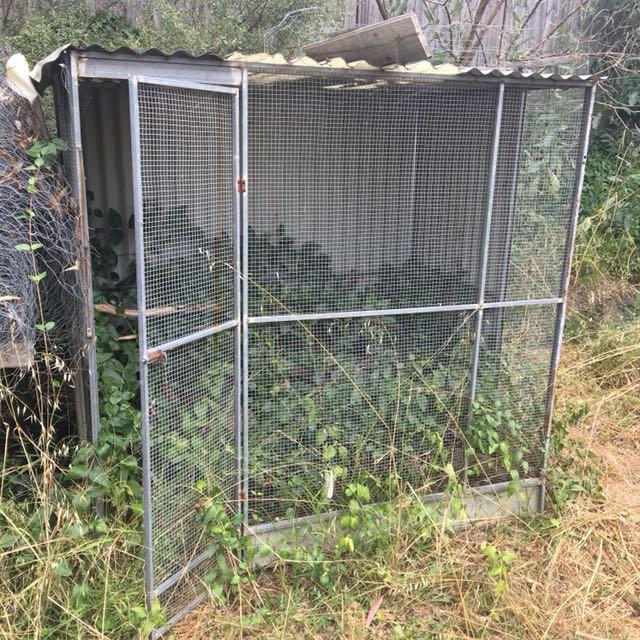 Metal/wire Enclosure eg. Pets or garden storage
